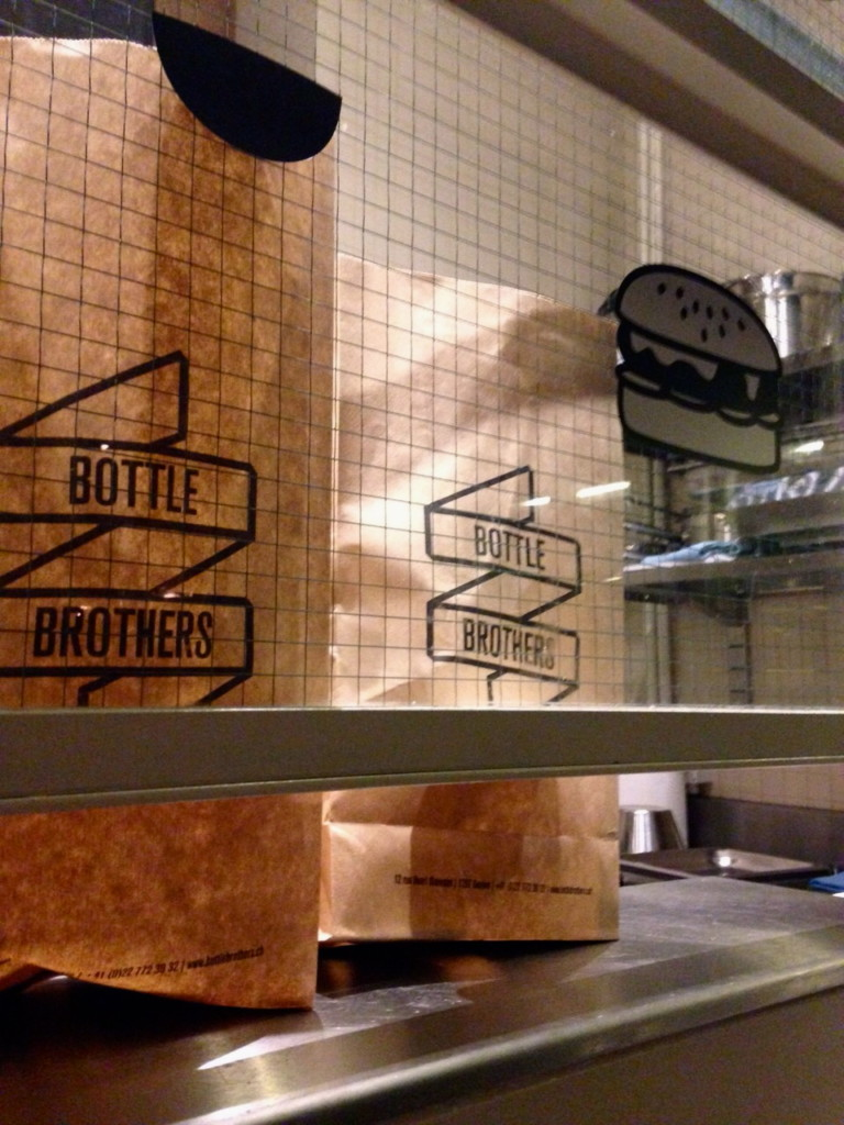 Bottle Brothers – Mini-burger et cocktail revisité