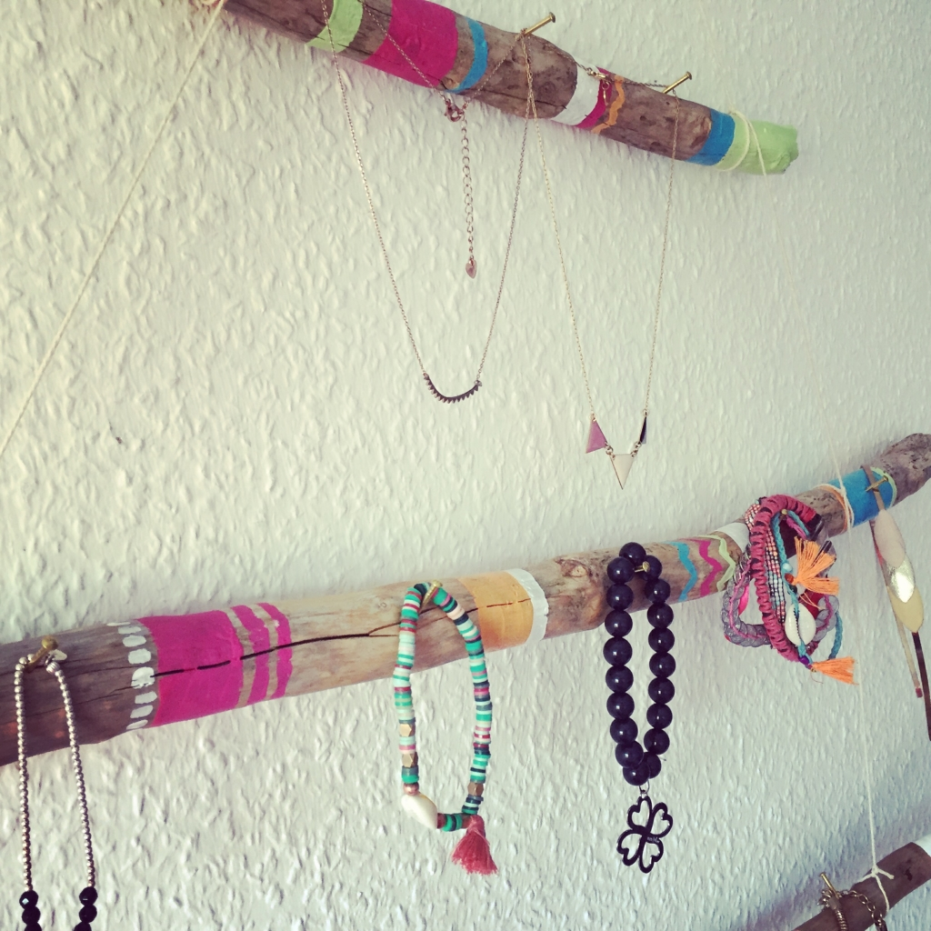 Do it yourself: faites vous-même un porte-bijoux